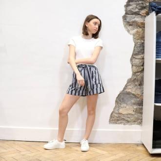 🌼 STRIPED SHORT 🌼  ▪︎Top @acquaverde_paris  ▪︎Short @suncooparis  ▪︎Basket @diesel  Articles disponibles en ligne sur maxluna.fr   @___.ninaa._   #look #fashion #maxlunagrenoble #suncoo #diesel #suncoo #style #shopping #fashionshop #ootd #trendy #summer