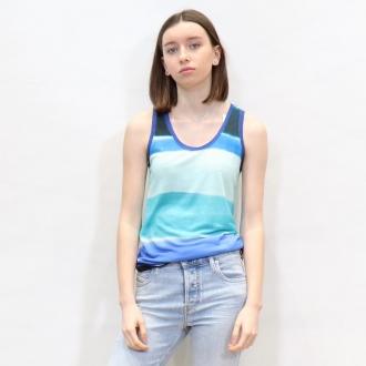 BLUE PRINT🦋💙🪁  •Débardeur @majesticfilatures  •Jean @diesel  •Bottines @miista   Articles disponibles sur notre site maxluna.fr   @___.ninaa._   #print #prints #majesticfilatures #look #lookdujour #spring #fashion #trend #tendance