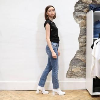 🕶 LOOK DIESEL 🕶  ▪︎Top @diesel  ▪︎Jean @diesel  ▪︎Bottines @miista   Articles disponibles en ligne sur maxluna.fr   @___.ninaa._   #diesel #miista #fashion #maxlunagrenoble #look #summer