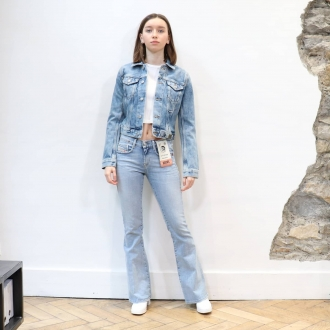 👖 JEAN LOOK 👖  ▪︎Top @acquaverde_paris  ▪︎Blouson @diesel  ▪︎Jean @diesel  ▪︎Bottines @miista   Articles disponibles en ligne sur maxluna.fr   @___.ninaa._  #look #fashion #miista #maxlunagrenoble #diesel #acquaverde #style #shopping #fashionshop #boutiquedemode #jean #trendy #ootd