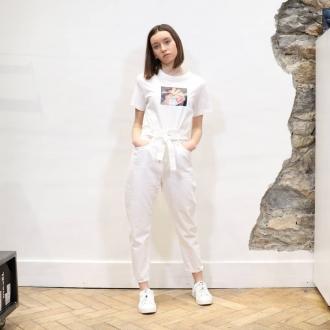 ⚪ TOTAL WHITE ⚪  Tee-shirt @diesel  Jean @acquaverde_paris  Baskets @diesel   Articles disponible sur notre site internet  @___.ninaa._   #diesel #acquaverde #white #summer #maxlunagrenoble #lookofsummer #brands #multibrand #multibrandstore